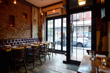 17 Cozy Restaurants and Bars in Cobble Hill Infographic