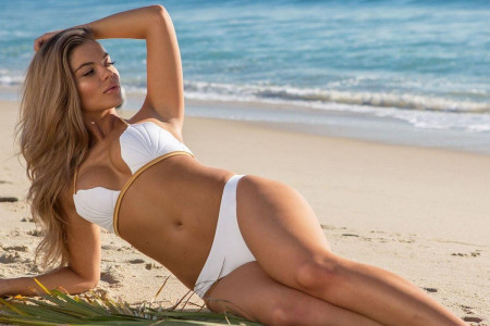 Book Naughty Hobart and Darwin Escorts for unforgettable Sensual Experience Infographic