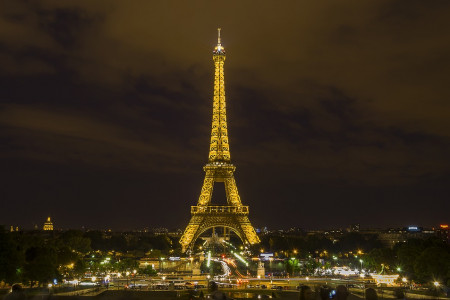 Carl Young of Johnson City, TN: Tips for Paris Travel Infographic