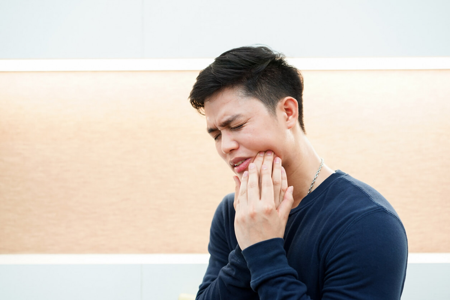 How To Manage Wisdom Tooth Pain Infographic