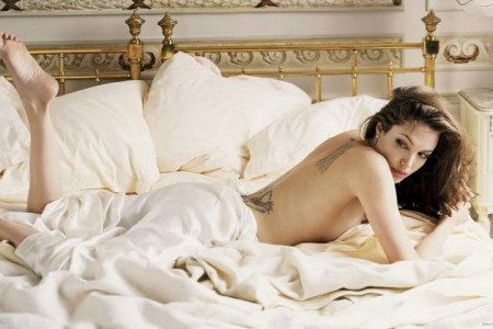 LIFE OF MOST SENSUAL AND HOT ANGELINA JOLIE Infographic