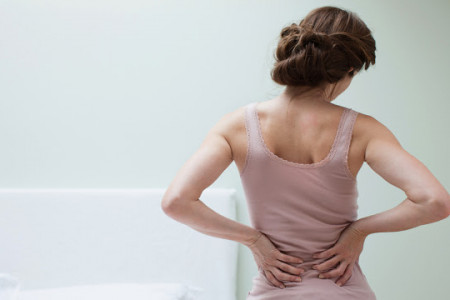 4 ways to get rid of back pain without drugs Infographic