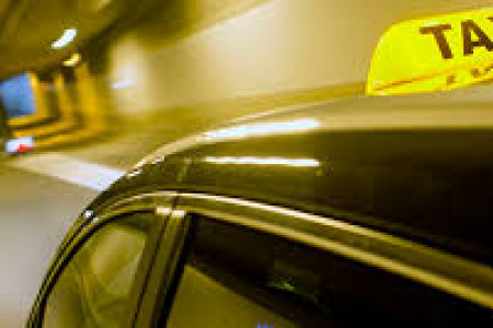 5 Top Benefits of Hiring Professional Taxi Service Infographic