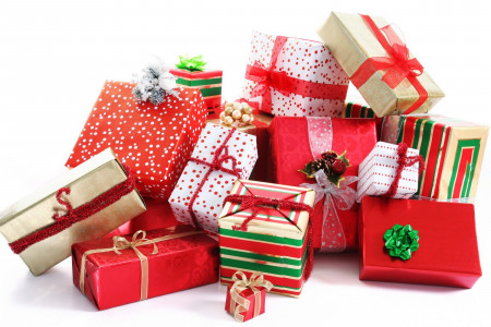 A Dozen of Gifts for 14 Year Old Girls This Winter! Infographic