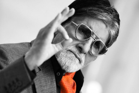 Amitabh Bachchan Age, Height, Wiki, Family, Net Worth Infographic
