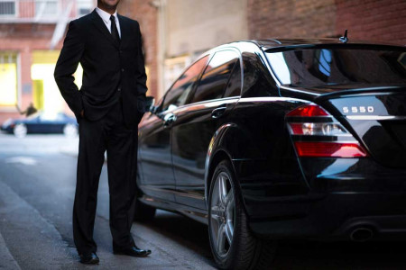Benefits to Hiring Executive Chauffeur Driven Cars Infographic