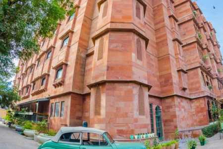 Best Places to Stay in Bikaner Infographic