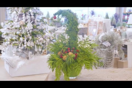 DIY Grinch Arrangement for Christmas decorations with TERRA Infographic