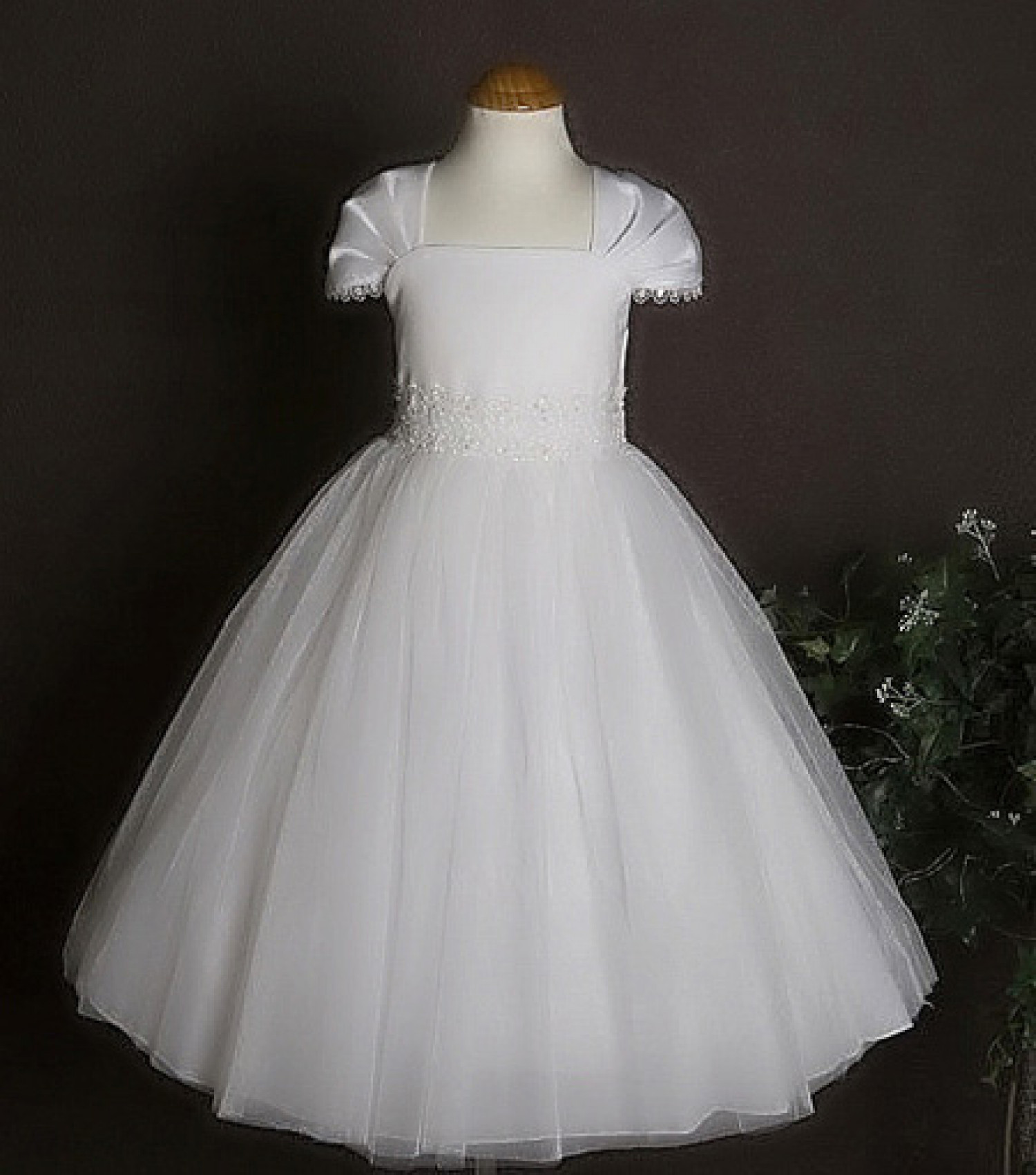 FIRST COMMUNION DRESS Infographic
