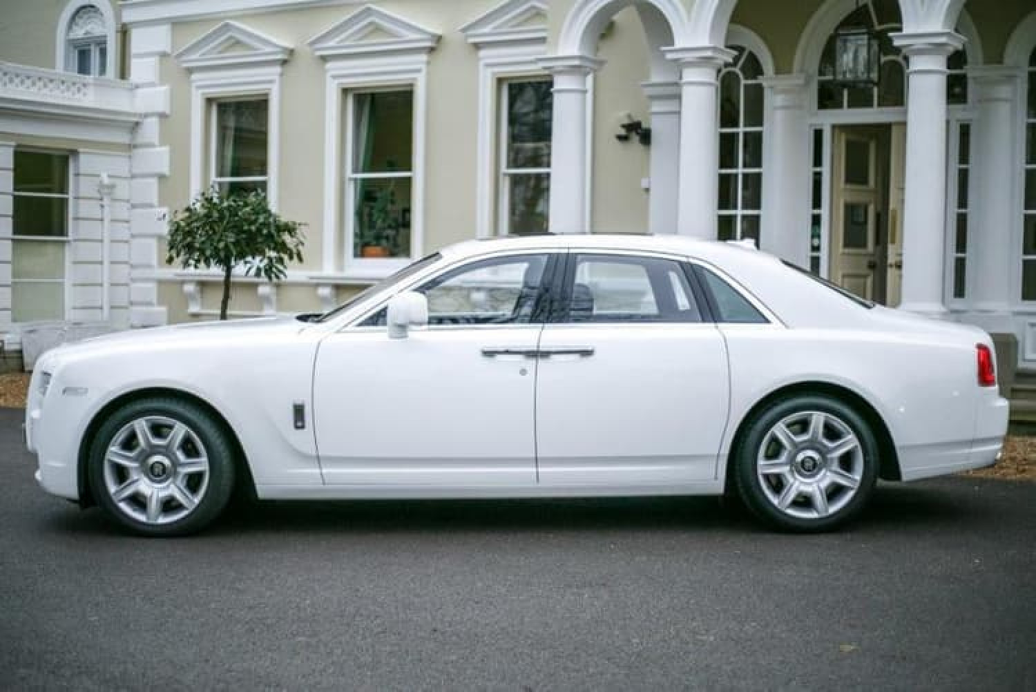 Get The White Rolls Royce Ghost Hire Wedding Car Infographic