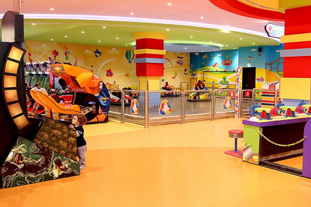 Indoor Play Zone for Kids in Oman | Fun City Infographic