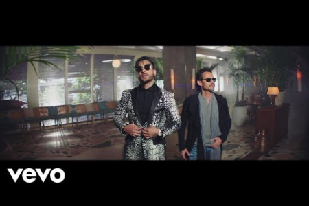 Maluma - Felices los 4 (Salsa Version)[Official Video] ft. Marc Anthony Infographic