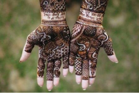 Minimalist, Unique & Quirky: 36 Mehendi Designs For The Bride-To-Be! Infographic