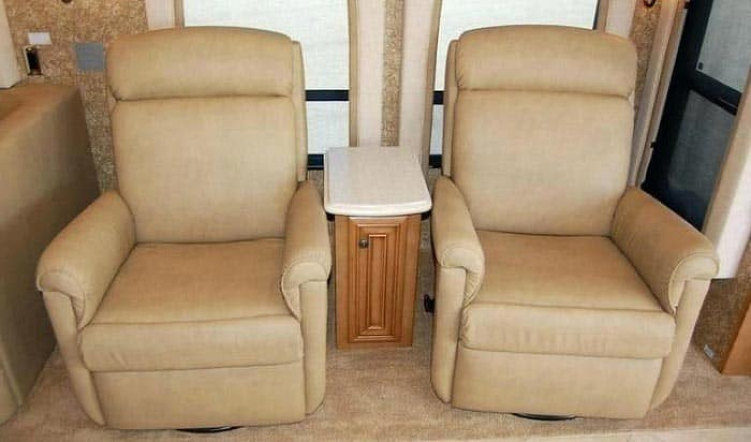 The Best RV Recliner Infographic