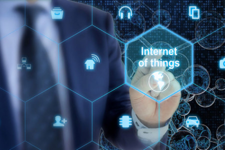 What is the Internet of Things (IoT) and how it impacts our daily life? Infographic
